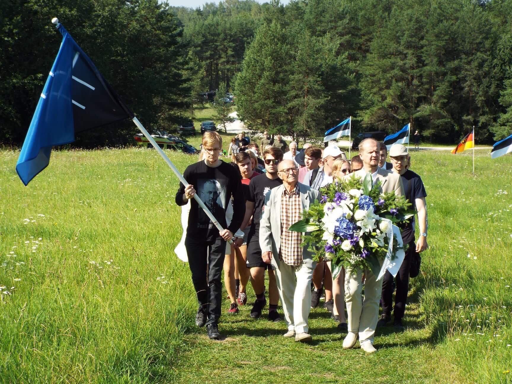 Sinise Äratuse noored osalesid Sinimägede kaitselahingute aastapäeva üritusel